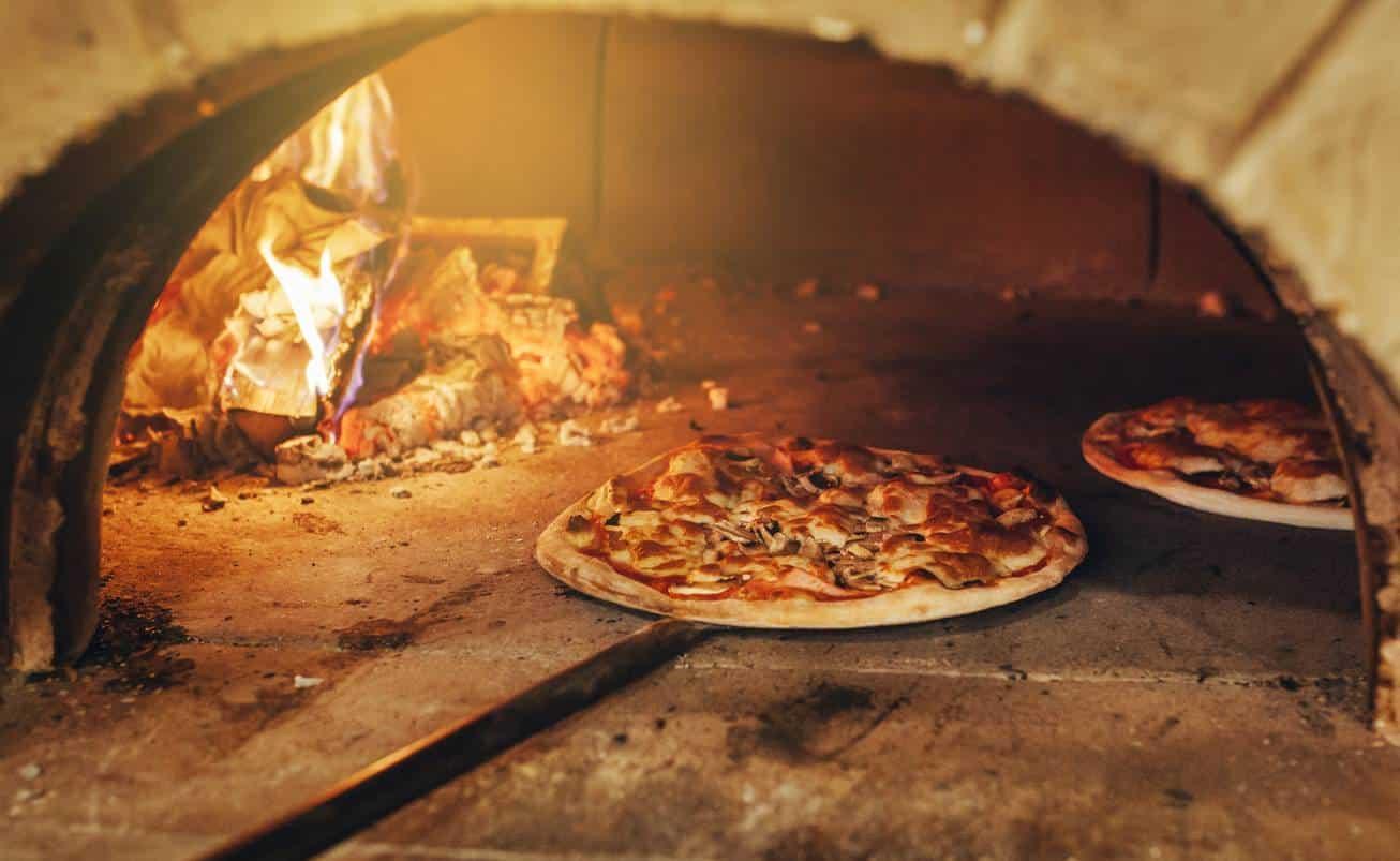 Le pétrissage, une étape importante dans la préparation de la pizza